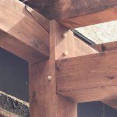 Détail de l'assemblage des faitages de toit